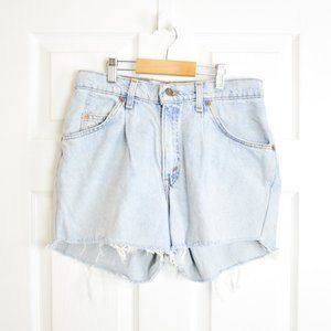 """Levis High Waisted Vintage Mom Shorts 30"""""""